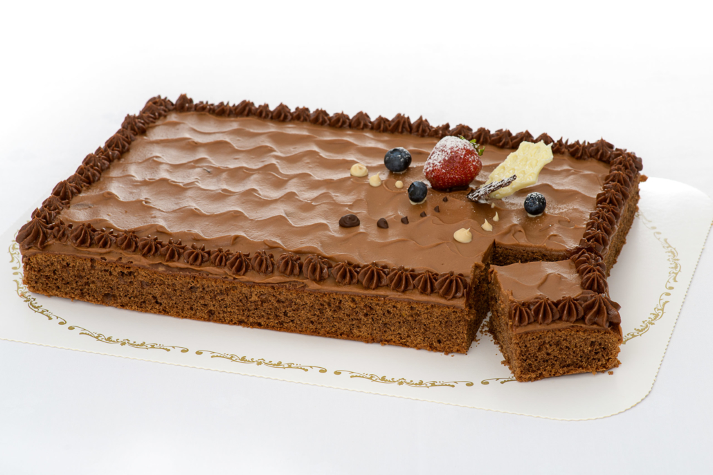 Sjokoladekake med glasur og pynt